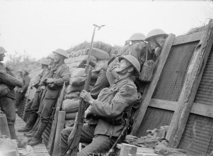 4th East Lancashire Regiment in the trenches at Nieuport Bains