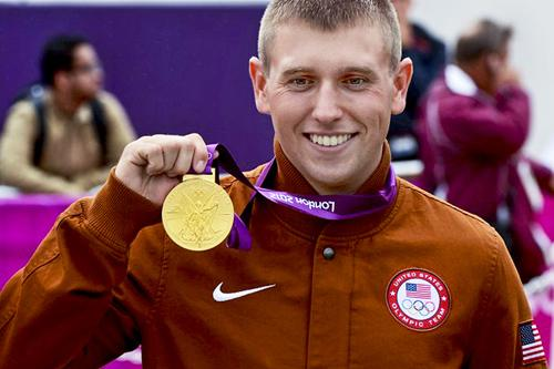 The Army's own Sgt. Vincent Hancock takes gold in Skeet
