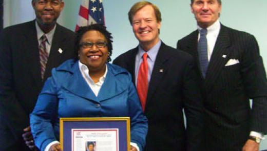 Clarice Joynes accepts TopVet Award
